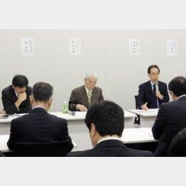 議員会館の会議室で話す古賀茂明氏/(C)日刊ゲンダイ