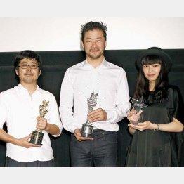 左から熊切監督、浅野忠信、二階堂ふみ/(C)日刊ゲンダイ