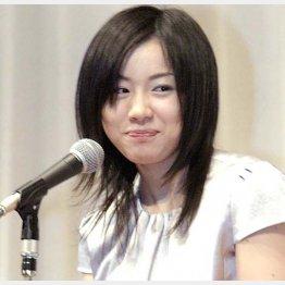 """""""文壇の姫""""として編集者にもファン多数/(C)日刊ゲンダイ"""