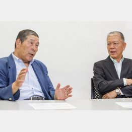 「完全試合男」の高橋善正氏(左)と「 2000本安打」の山崎裕之氏