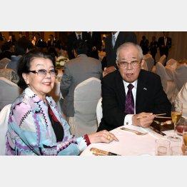 野村勝也氏と沙知代夫人