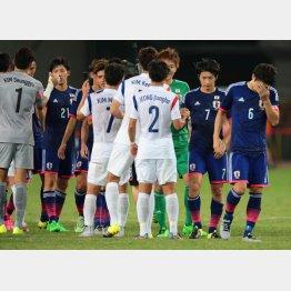 韓国と引き分けうなだれるイレブン