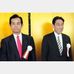 宏池会の岸田外相(右)と山本議員