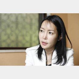 堤未果氏は各メディアで発言、執筆・講演活動を行っている