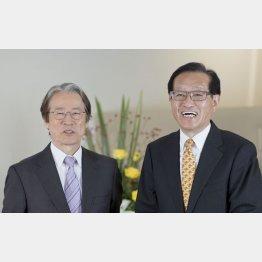 辺真一氏(左)と二木啓孝氏