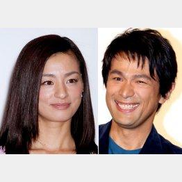 主演の尾野真千子(左)と江口洋介