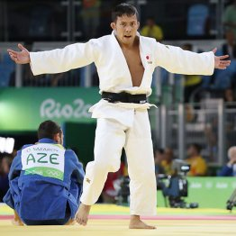 3位決定戦に勝ち銅メダルを獲得