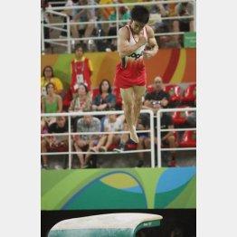 「伸身ユルチェンコ3回半ひねり」に成功で銅メダル