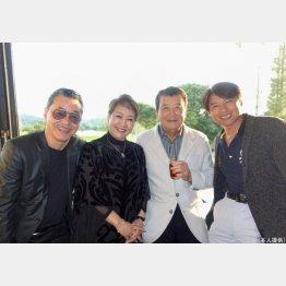 左から日野皓正、渡辺友子、里見浩太朗