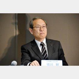 巨額損失の可能性を公表した東芝の綱川社長(16年12月27日)